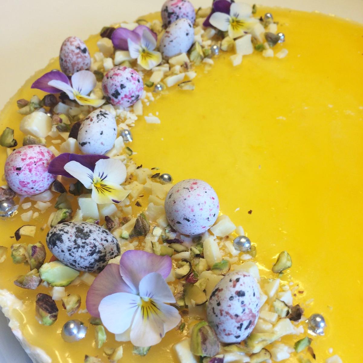 Den ultimative påskekage - appelsincheesecake med påskeæg